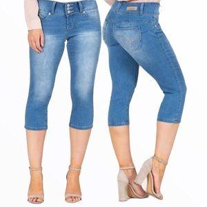 ✨SALE✨ Capri Jeans